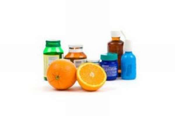 противосудорожных препаратов, гипотензивных и мочегонных средств, антибактериальной терапии