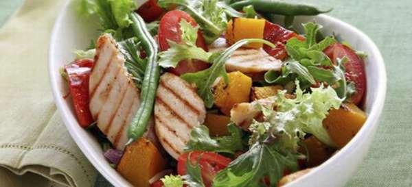 Как приготовить полезный салат при панкреатите?