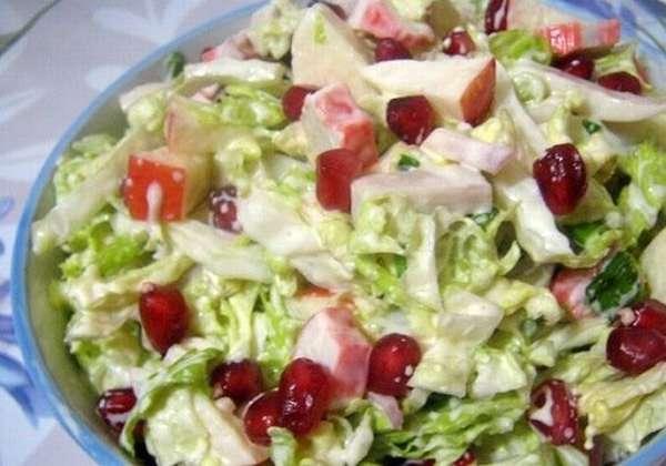 Салат яблочный с кальмарами