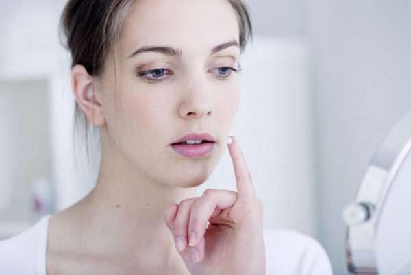 Применение зубной пасты для устранения герпетической сыпи