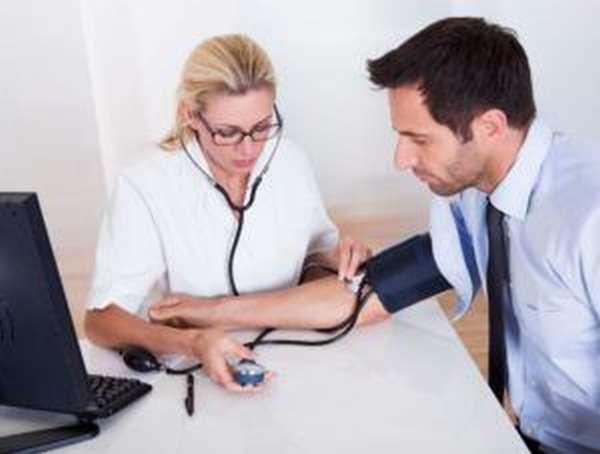 Применение и схемы постановки пиявок при лечении от простатита