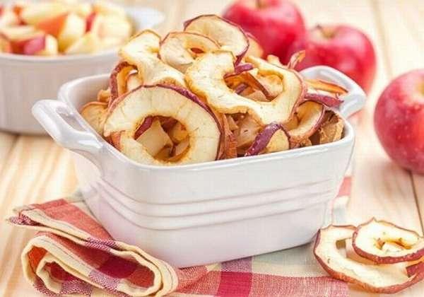 высушенные яблоки без сердцевины