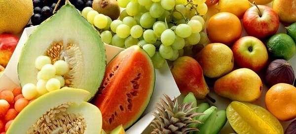 Какие фрукты и ягоды можно кушать больным при панкреатите?