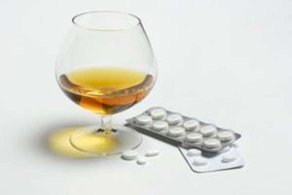 Препарат нельзя принимать совместно с алкоголем