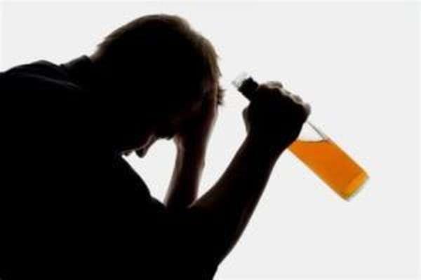 Страдающим алкоголизмом ударно-волновая терапия противопоказана