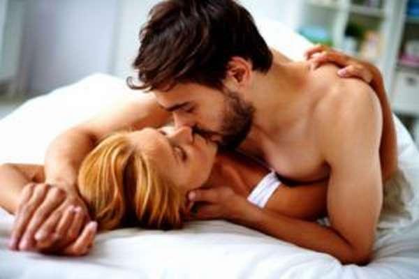 Чтобы избежать проблем с мочеполовой системой необходимо вести активную сексуальную жизнь, но предохраняться от половых инфекций