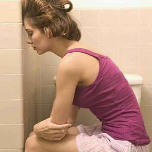Выделения при цистите у женщин: неприятный запах и коричневые выделения из влагалища, лечение